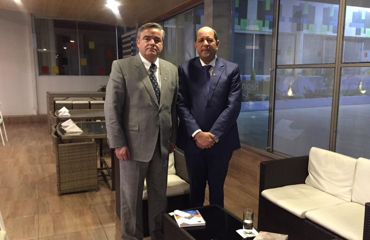 Jefe de Educación General conoce experiencias educativas exitosas de Uruguay y República Dominicana