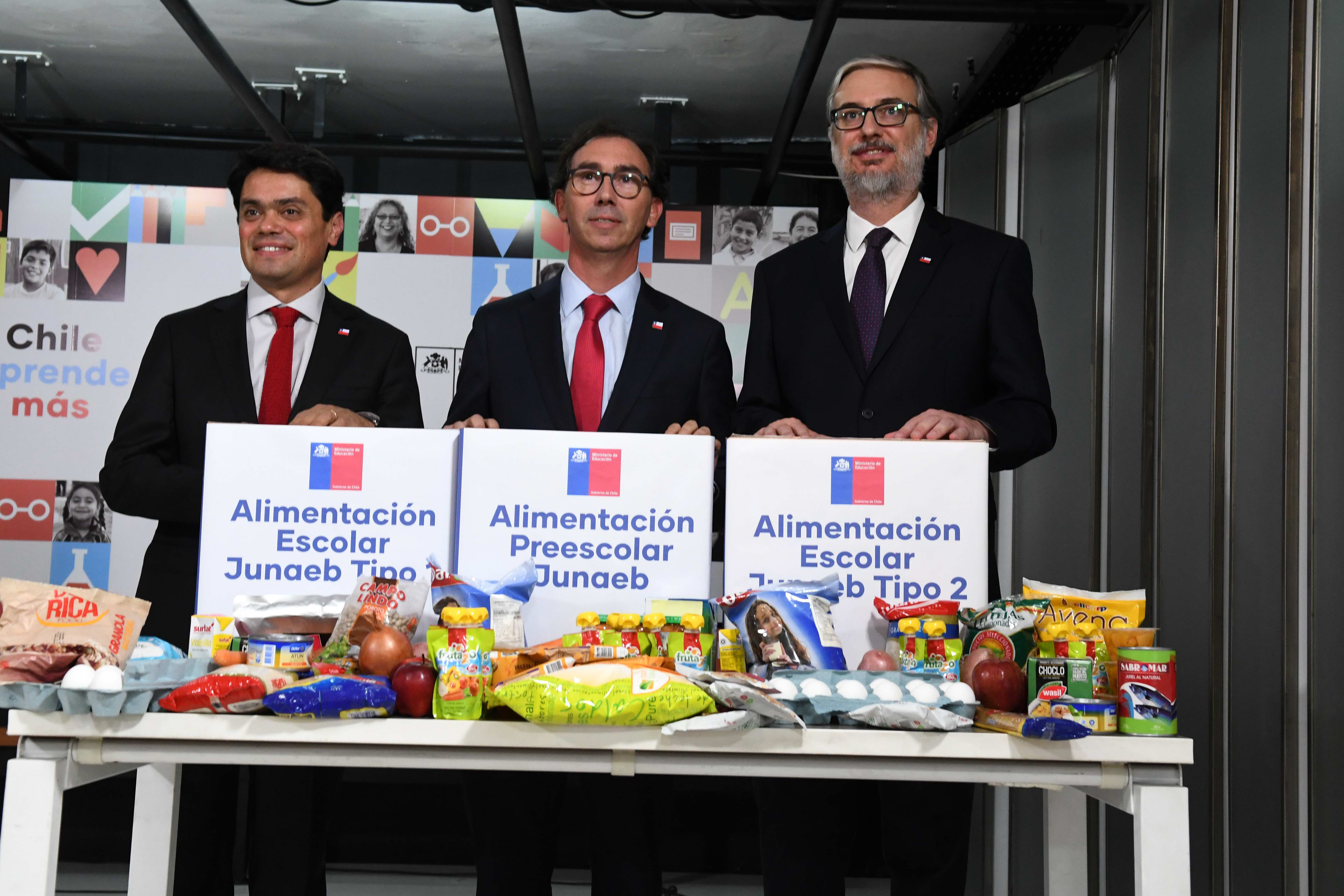 Mineduc repartirá canastas de alimentación a estudiantes